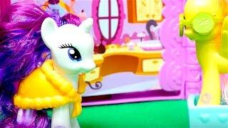 My Little Pony toys - Rarity's booktique playset - Girls Toys Videos - Fluttershy has a spa day
